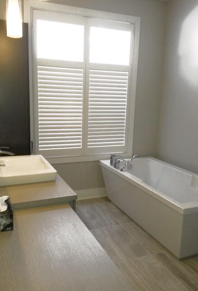 Store ambiance persiennes - Store fenetre salle de bain ...